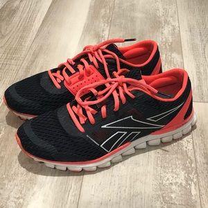 Reebok light weight running shoe